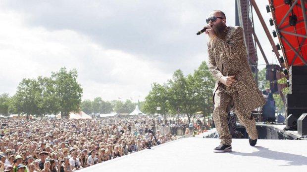 Henk van der Liet: De stad is een gat.  Rap, slam en hiphop uit postcode 2400 NV